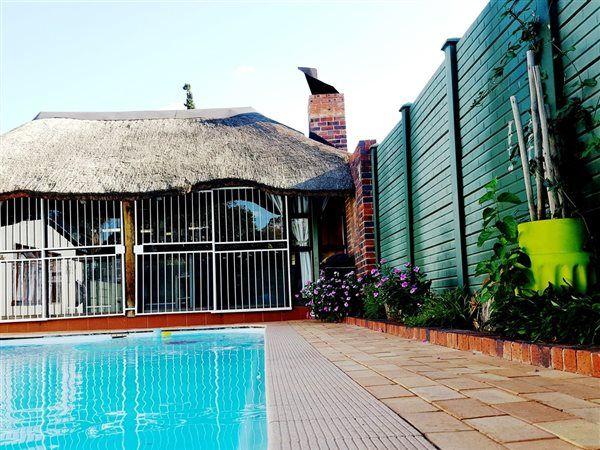 4 Bedroom House in Generaal De Wet photo number 12