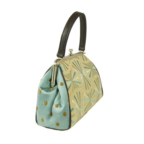 Saw this one on the weekend...so pretty. Light Spray Purse by Karen Wilson Hand Bags.