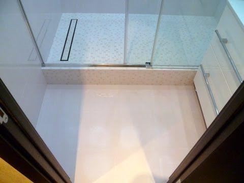 Душевые кабины RADAWAY (Польша). Толщина стекла 6мм. Самое прочное стекло из всех производителей душевых кабин. Вес человека 96 кг. Не монтаж, реально прыгает.