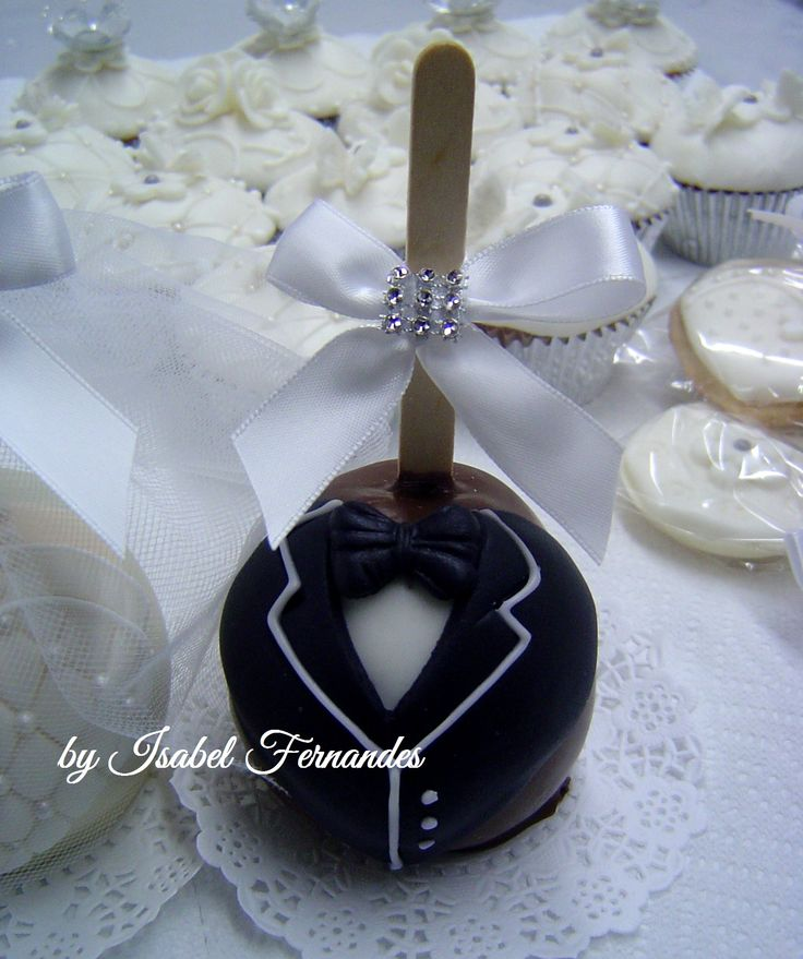 Wedding Candy Apples. The man of my dreams... Would love these.