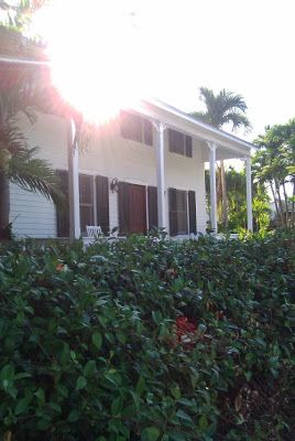"""FOCAL POINT STYLING: THE HOUSES OF KEY WEST PT2: ON HURRICANE ALLEY AND AMERICA'S SOUTHERN MOST POINT Key West """"Eyebrow"""" home""""."""