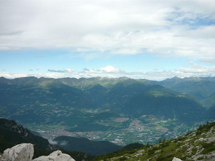 Escursione sul Monte Ortigara sulle Alpi vicino a Vicenza, dove è possibile visitare una delle trincee della prima Guerra Mondiale.