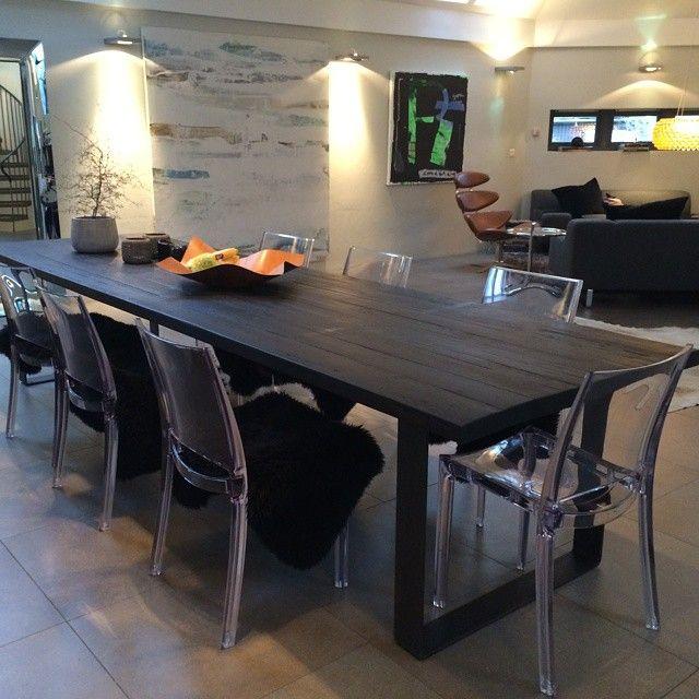 Det deilige svarte matte #1862 bordet (450cm)  har funnet seg til rette i sitt nye hjem. #drivved #drivvedland #gjenbruksmaterialer #elskerdet #påbestilling #håndlagetavoss #barefordeg #bærekraftig #kortreist