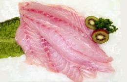 Best Fish for Jerky: Best Fish for Jerky  Typically, fish that is low in fat will be the best to make jerky. I have found that salmon makes a really delicious jerky because of the bold, natural flavor of the fish that can stand up to a spicy marinade. Plus, you won't have to worry about spoiling because it will get gobbled up immediately! Cod  Flounder  Grouper  Halibut  Monkfish  Sea Bass  Snapper  Sole