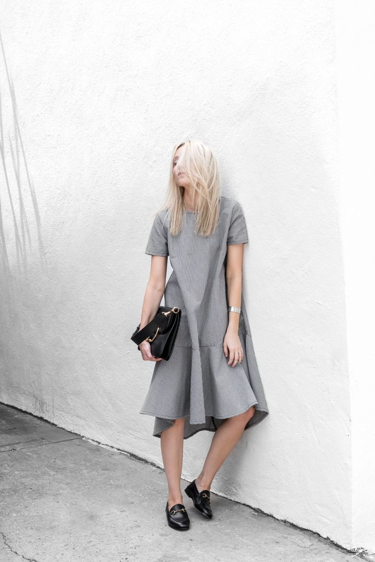 Contemporary Fashion - grey oversized dress with structured cut & drop waist detail // Nice Martin