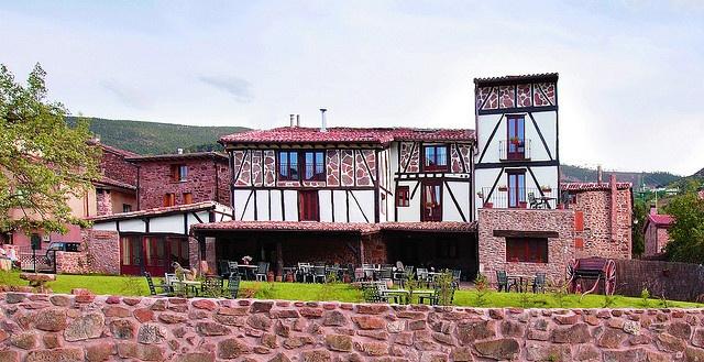 La Casona del Pastor, Valgañon, La Rioja  http://www.toprural.com/Casa-rural-habitaciones/La-Casona-Del-Pastor_24145_f.html