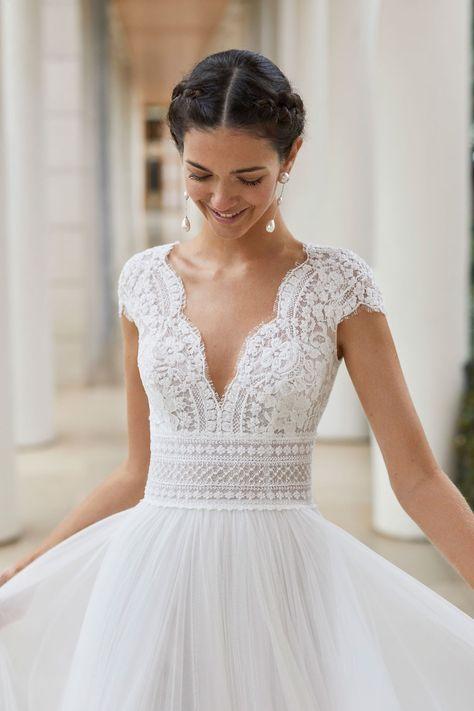 Vestido de novia estilo princesa de encaje, onda con pedrería y tul extra suave…