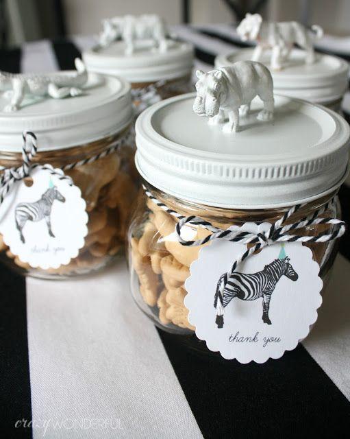 Crazy Wonderful: samuel's 3rd birthday party, DIY birthday party favors, plastic animal jars, animal cracker party favors