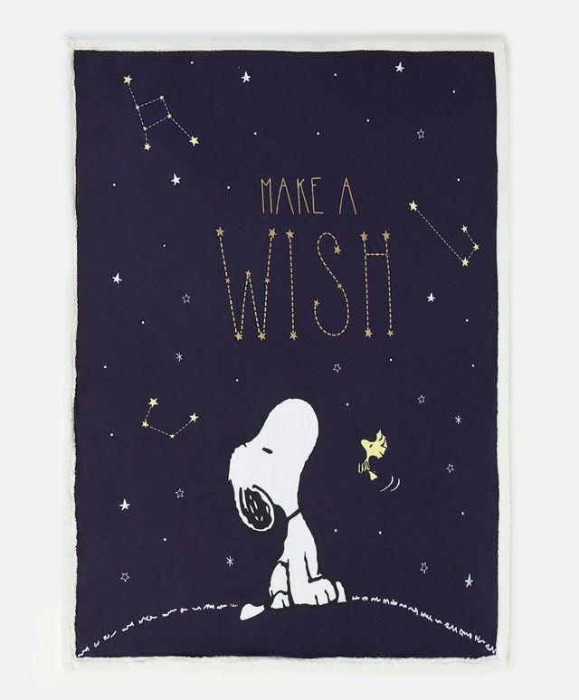 Koc Snoopy - Nowości - Modowe trendy AW 2016 dla kobiet na stronie Oysho: bielizna, odzież sportowa, motywy etniczne i cygańskie, buty, dodatki, akcesoria i stroje kąpielowe.