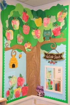 read well apple tree ---love the branches with the bee hive and the welcome sign!