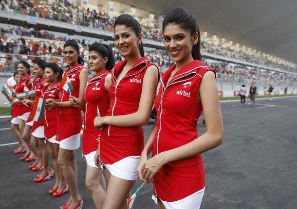 2011 airtel Indian GP grid girls