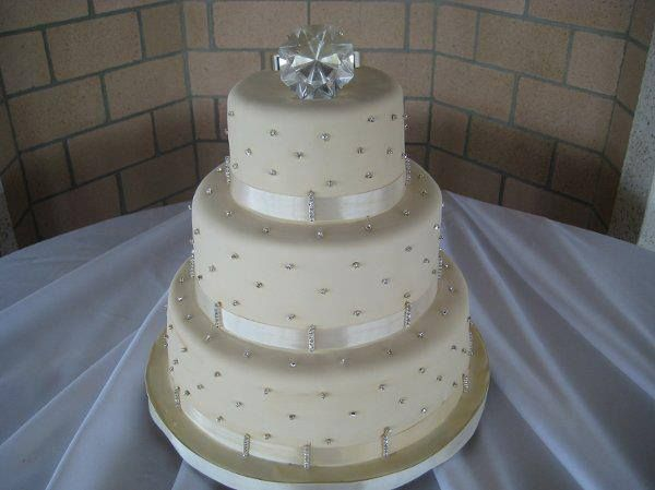 helen wedding cakes zimbabwe 21 best images about wedding cakes on 15196