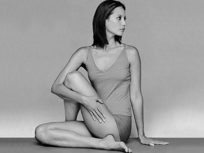 Энергетическая гимнастика — это несколько простых упражнений, которые занимают около 5 минут. Их можно делать лёжа в постели или стоя. Однако их нельзя недооценивать.