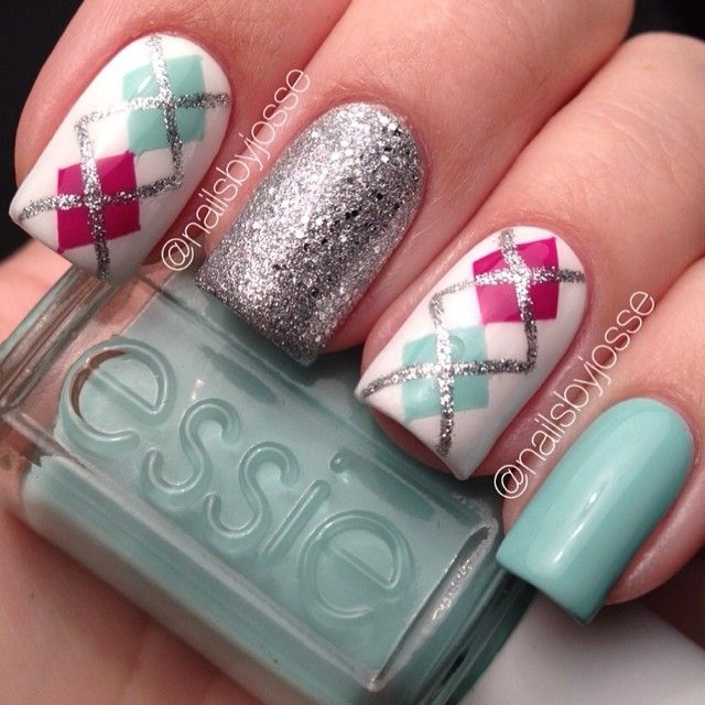 Green, glitter, Essie. Nails. Nail art. Nail design. Polish. Polishes. Polished. Manicure. by nailsbyjosse Beautiful