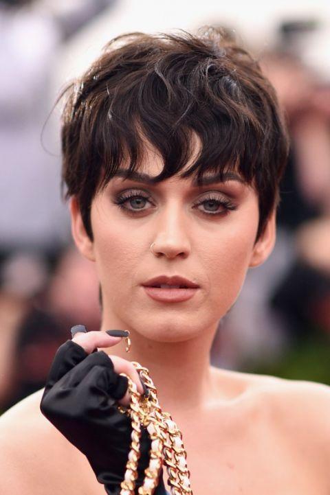 Katy Perry - short hair - strange look #hair #black #strange #star