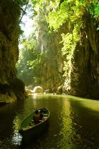 boqueron canyon, rio dulce guatemala - this picture does not do this place justice at all!