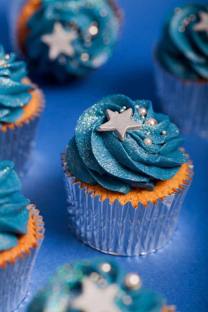 25 Best Ideas About Cheerleading Cupcakes On Pinterest