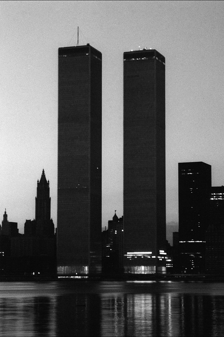17 best images about world trade center towers new what the 1977 nyc blackout looked like from the streets