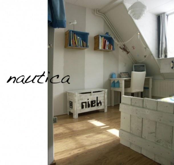 17 beste afbeeldingen over slaapkamer op pinterest kinderkamer kind slaapkamers en parijs behang - Kamer blauwe jongen grijs ...
