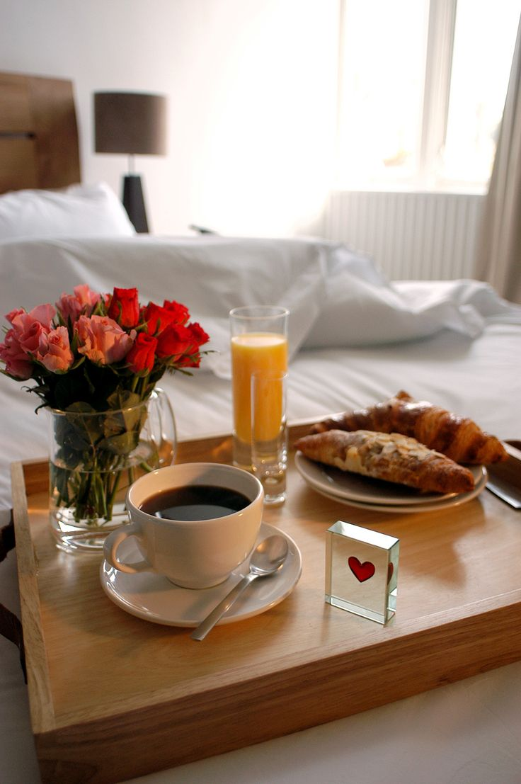 What a wonderful way to wake up in the morning - hot coffee, sweet orange juice, a fresh croissant and a beautiful token from #Spaceform. #Love #Gift #Token #Sweet #BreakfastInBed #Perfect #London
