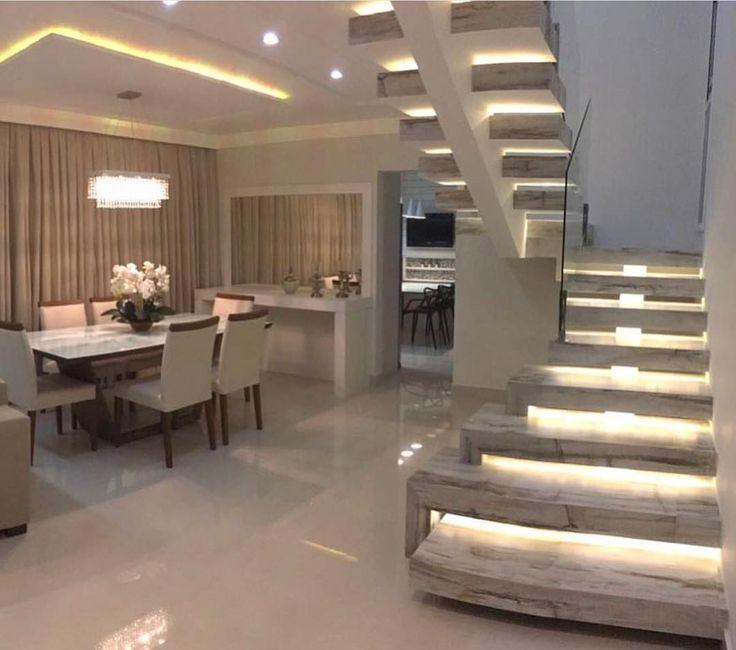 """Quando a escada """"rouba a cena"""". Projeto Rebeca Lemos Via @maisdecor_  www.homeidea.com.br  Face: /homeidea  Pinterest: Home Idea  #pontodecor #maisdecor #projetos #igers #arquitetura #ambiente #archdecor #homeidea #archdesign #projetos #tbt #home #homedecor #pontodecor #homedesign #photooftheday #love #interiordesign #interiores  #cute #construcao #decoration #world  #lovedecor #architecture #archlovers #inspiration #project #cozinha #escada #escadacomvigacentral"""