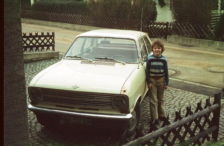 Blog-Gründer Thomas Sälzle nimmt Abschied vom Opel Kadett B. Das Familienauto mit dem großen Rostloch im vorderen Kotflügel kam in den frühen 1980ern zum Verwerter.