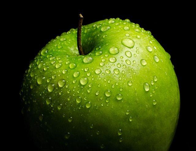 Los jugos naturales de vegetales y frutas para diabéticos son vitales, siempre usando las frutas adecuadas como peras, manzanas, fresas, y muchos vegetales.