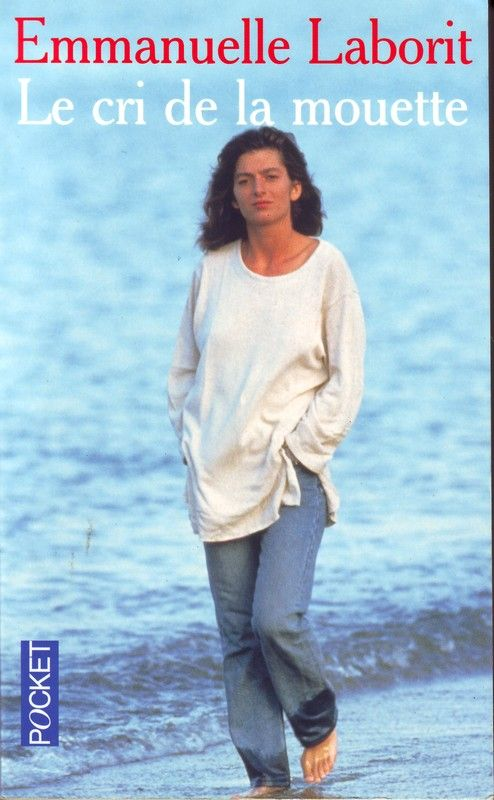 """""""Le cri de la mouette"""" - Emmanuelle Laborit. (R LAB) Emmanuelle n'a jamais connu que le silence. Le monde, autour d'elle, n'était qu'une étrange représentation de mimiques, de bruits et de gestes mystérieux. Alors, pour s'évader de cette prison, pour clamer son existence, elle s'est mise à crier. Des cris d'oiseau de mer, disaient ses parents. C'est ainsi qu'elle est devenue la mouette. Mais, à sept ans, Emmanuelle découvre le langage des signes."""