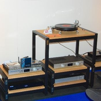 Munich High End 2016; The Wand Tonearm with Ortofon Quintet Black on a 'Starter' turntable (Michell Technodeck) on display in the Input Audio Stand. Running through Creek and Trichord electronics to Harbeth speakers.