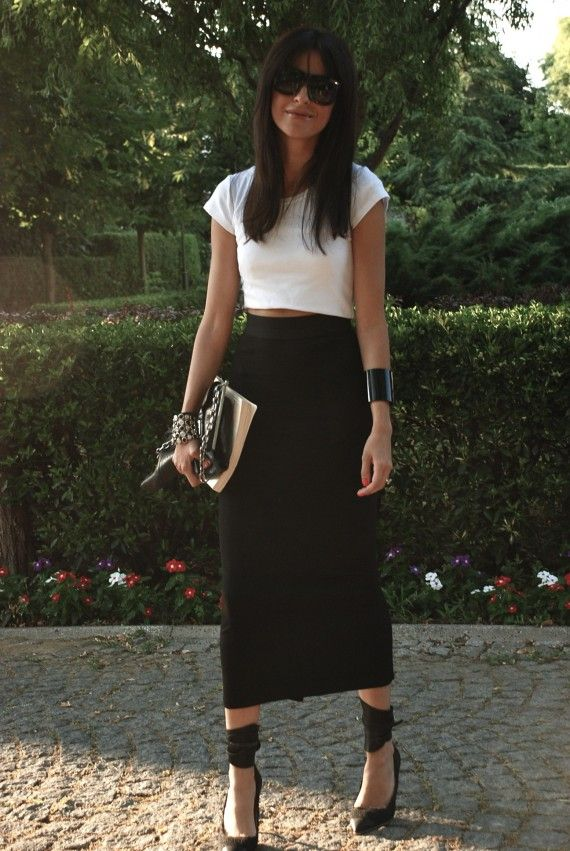 high waisted skirt and crop top so simple and chic