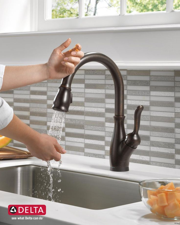Single Handle Pull Down Kitchen Faucet With Touch2o And Shieldspray Technologies 9178t Sp Dst Delta Faucet Bronze Kitchen Faucet Kitchen Faucet Delta Kitchen Faucet