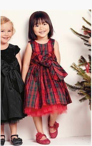 Vestidos preciosos para niñas, que pueden lucir en Navidad o en cualquier ocasión que necesiten ir 'más arregladas'. Marcas como Nanos, Gocco, Pili Carrera o Zara tienen mucha variedad de vestidos. En otro artículo de Blogtendencias hablamos de los vestidos de comunión para niñas, hoy le toca a los vestidos de Navidad para niñas.  …