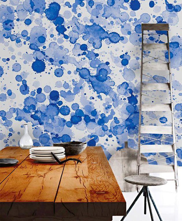 Nas paredes  Perfeita para espaços pequenos, a pintura em aquarela ilumina o ambiente e garante um efeito orgânico e etéreo.