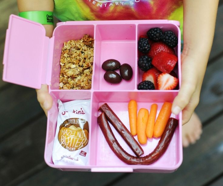 paleo school lunch ideas using bento boxes tucking this treasure of ideas away for later. Black Bedroom Furniture Sets. Home Design Ideas