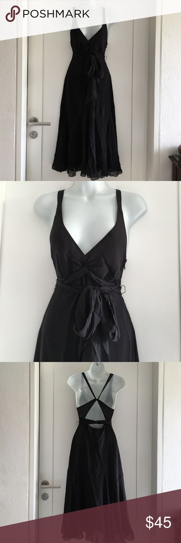 Ted Baker Little Black Dress size 1 / 2 US Preowned Ted Baker Little Black Dress size 1. Amazing back. 100% silk. Missing slip. Please look at pictures for better reference. Happy shopping!! Ted Baker Dresses Midi