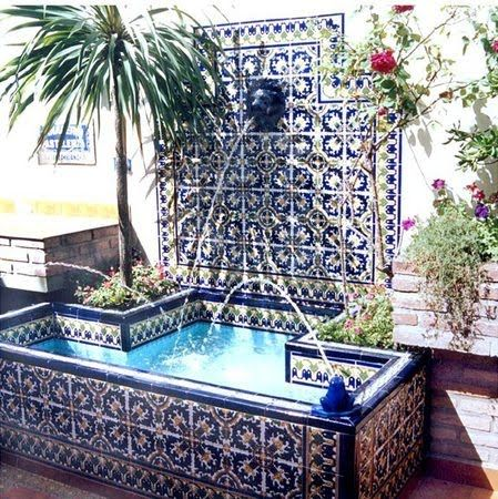26 best fountains mexican images on pinterest haciendas for Azulejos patios modernos