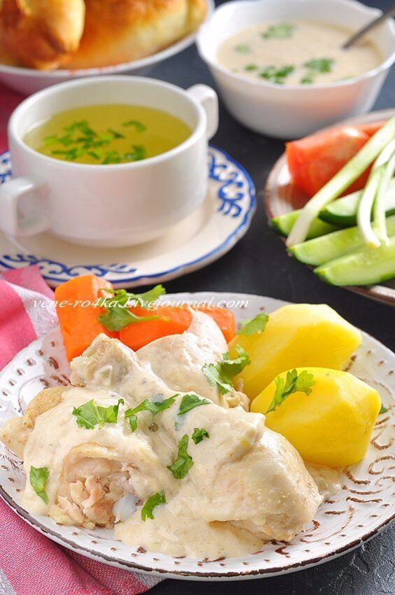 Курица под сметанным соусом