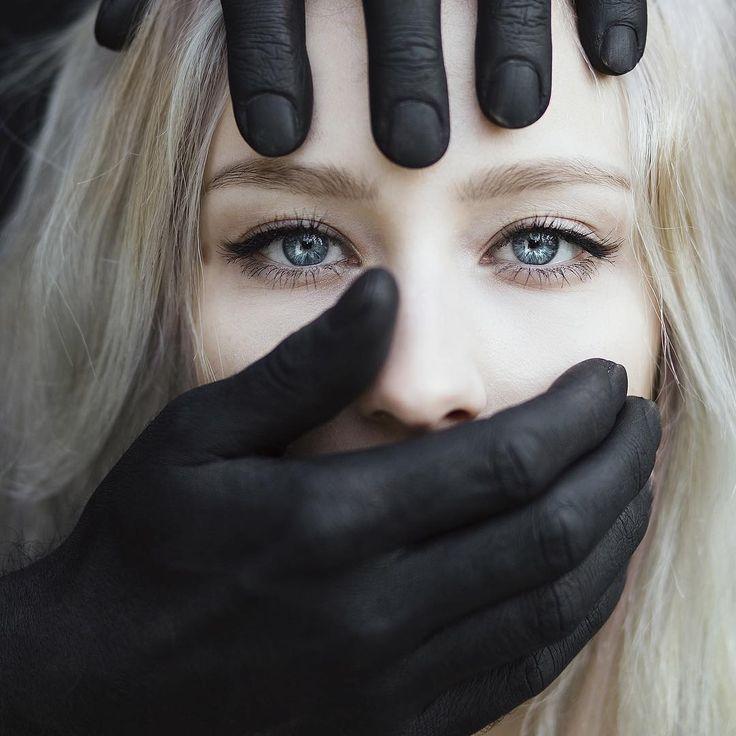 """""Fear"" models: @vanjajagnic & @darkorikalo #jovanarikalophotography #jovanarikalo #shooting #portraitphotography #fineart #art #conceptart #surreal…"""
