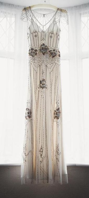 A vintage gown feel, courtesy of Jenny Packham