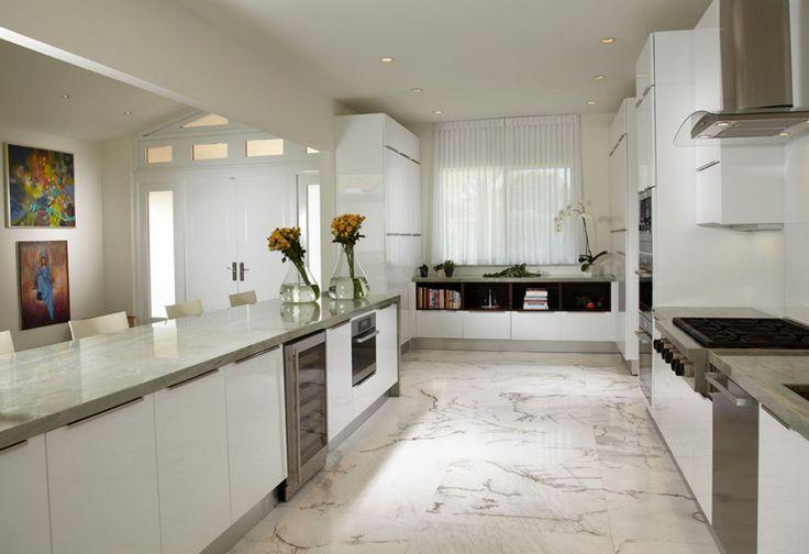 Villa de luxe au design clectique sur la c te en floride for Belles cuisines contemporaines