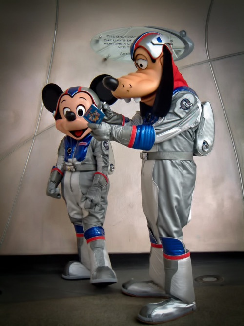 Mickey Mouse & Goofy @ Mission: Space, Epcot
