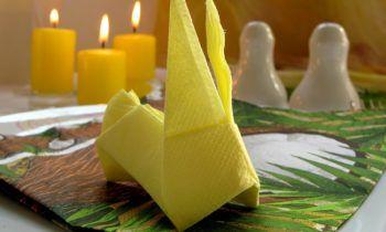 Fold бумажные салфетки кролик желтого фиксированной панели наложение ареста
