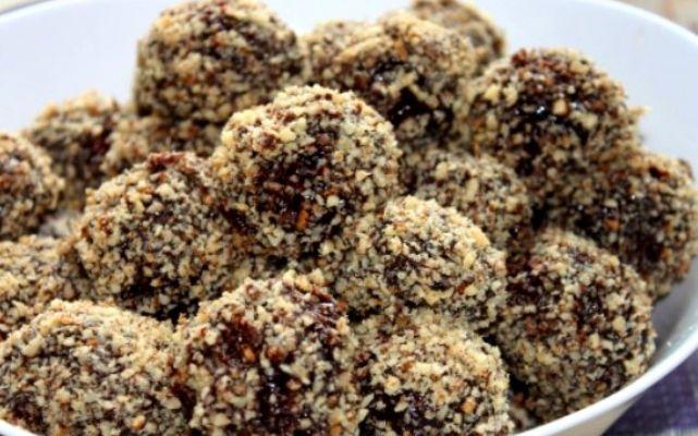 Киевские каштаны - это вкуснейшие пирожные, рецепт которых рассказала Татьяна Литвинова. Читайте пошаговый рецепт пирожного киевские каштаны и удивите свою семью вкусным десертом