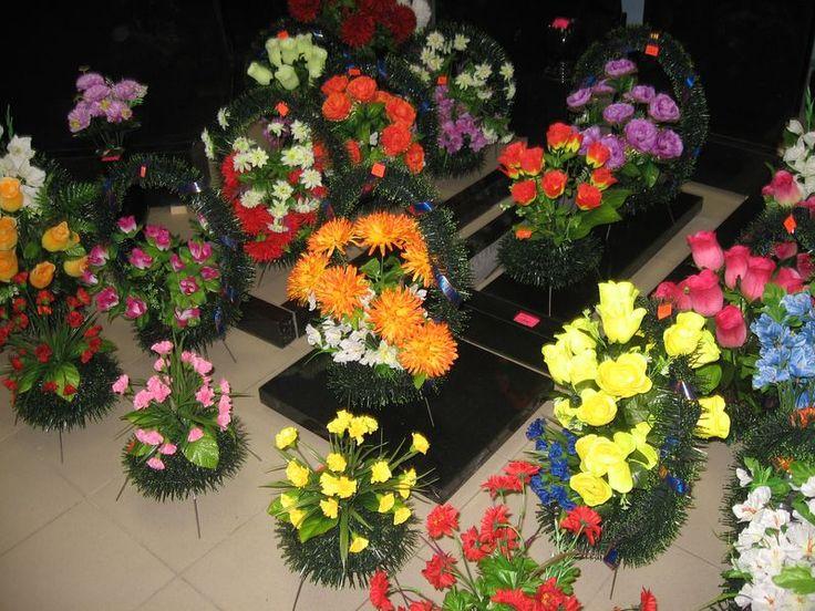 Сделать искусственные цветы на кладбище своими руками
