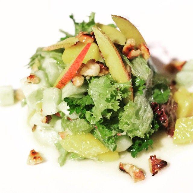 Салат из манго. #салат #манго #вегетарианство #фудфото #salad #mango #food #foodphoto #vegetable #vegetarian #овощи #фрукты #лето #summer