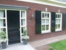 Zowel raam als deur kozijnen bepalen niet alleen het esthetisch karakter van je woning. Voor een goede isolatie spelen kozijnen een belangrijke rol. Ze zorgen