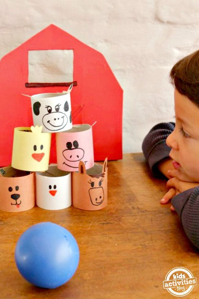 Farm Animal Bowling Game - Using toilet paper tubes, simple and fun!
