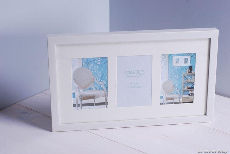 Zadbaj o to, aby najlepsze wspomnienia znalazły odpowiednie miejsce w Twoim domu. Prezentowana ramka zmieści trzy zdjęcia w paszportowym formacie. To doskonały prezent dla bliskiej Ci osoby.