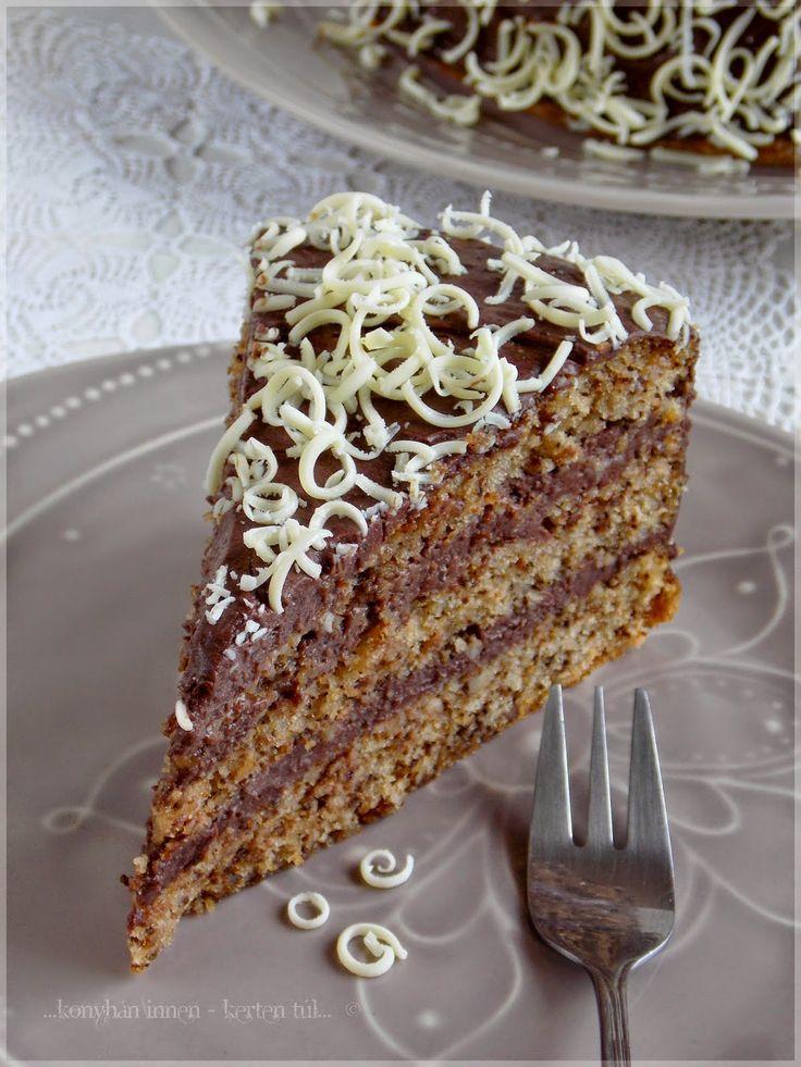 ...konyhán innen - kerten túl...: Nagymami tortája