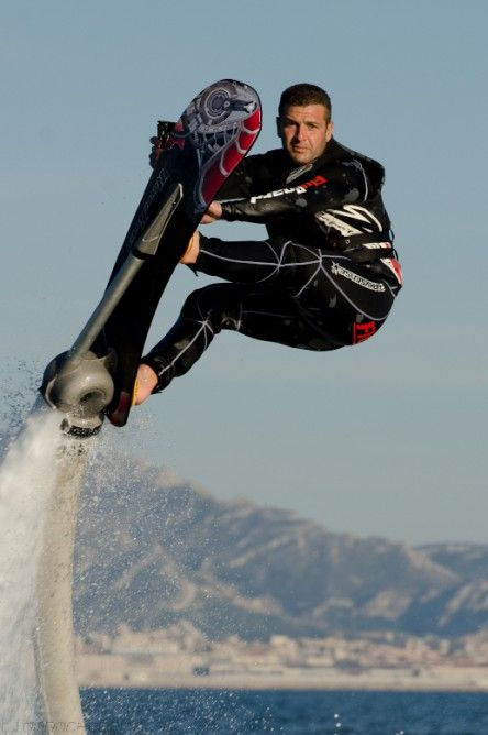Zapato blends surfing and Flyboarding with new Hoverboard by ZR By Bridget Borgobello June 15, 2014 Riders can safely glide through the air and perform some pretty fancy tricks